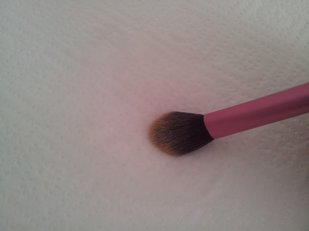Spot Cleaning your Make up Brushes