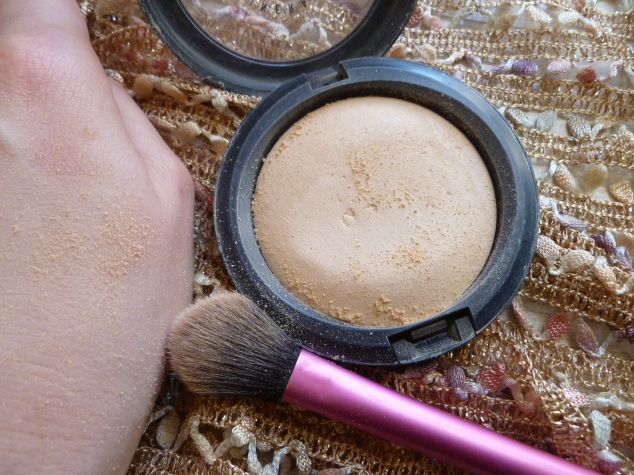 MAC Mineralise Skin Finish Natural in Light