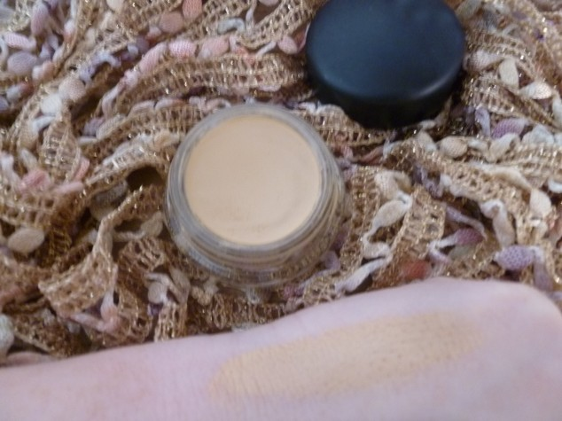 MAC Pro Longwear Paint Pot in Soft Ochre