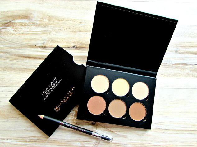 Anastasia Beverly Hills Contour Kit & Brow Pencil