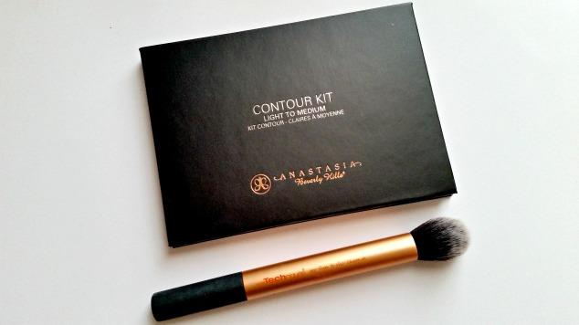 Anastasia Beverly Hills Contour Kit (Light to Medium)