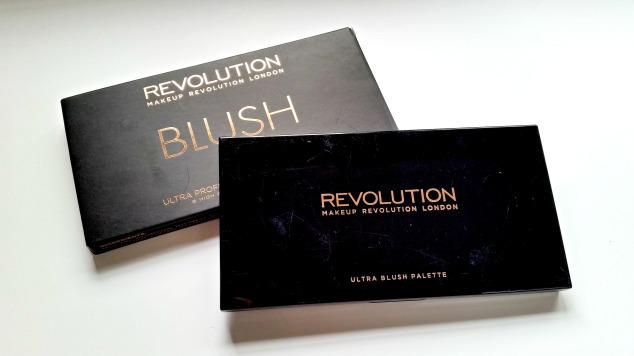 Make Up Revolution Blush Palette in Hot Spice