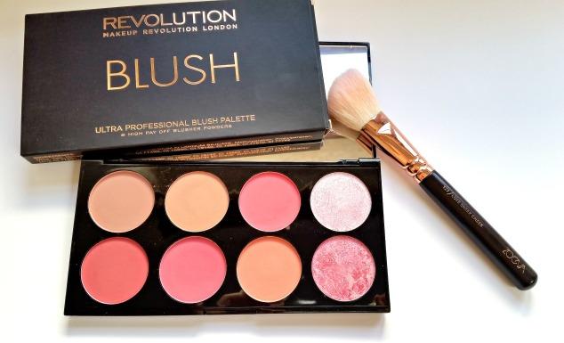 Make Up Revolution Blush Palette in Sugar & Spice
